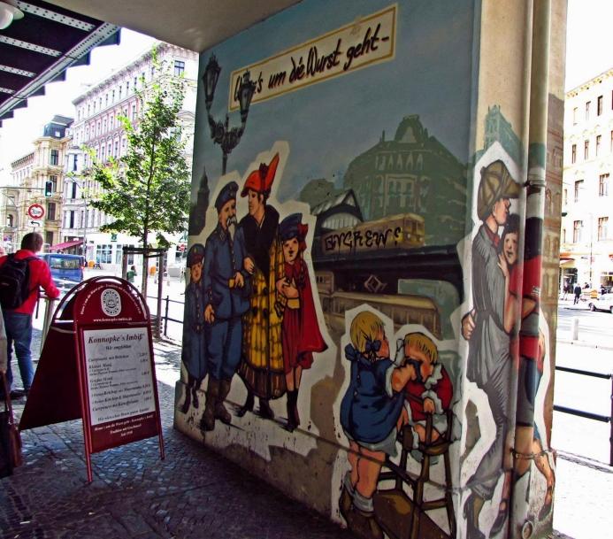 圖一 Konnopke咖哩香腸攤前齊勒壁畫