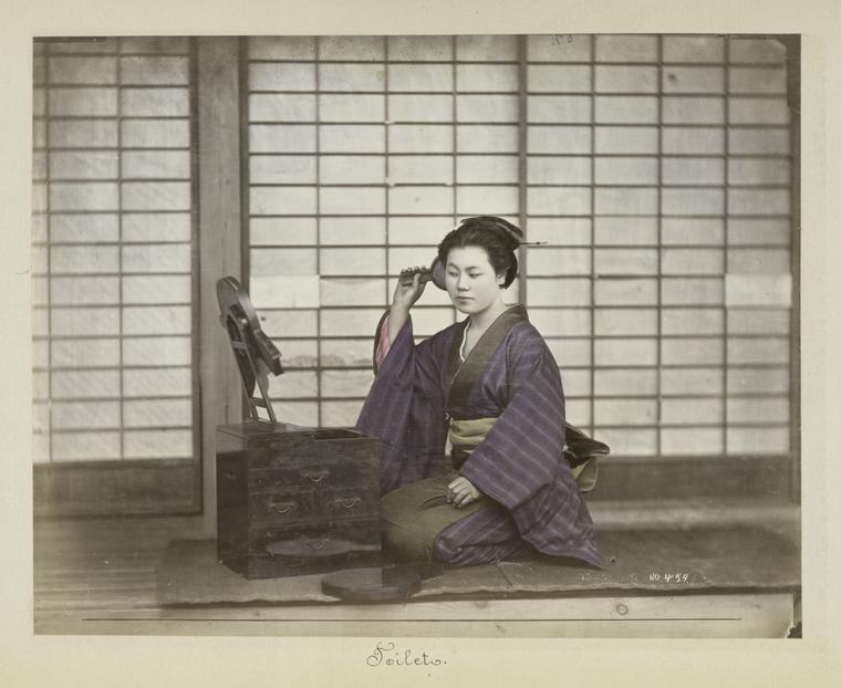 不減風韻: 日本手工上色蛋白照片中的鏡美人