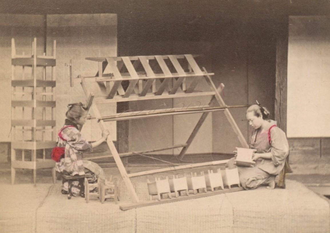 剝繭抽絲: 日本手工上色蛋白照片的桑織圖